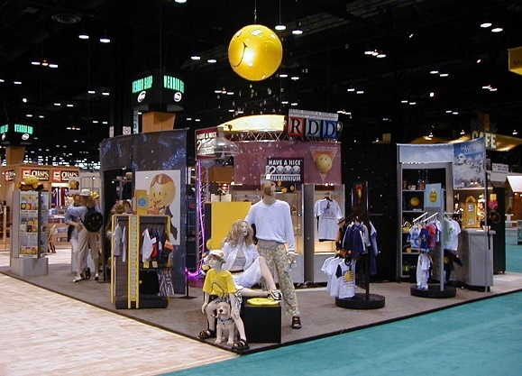 Nationwide, Smiley, Licensee Vendor Shop, Department Store, Department Concept, Department Store Display